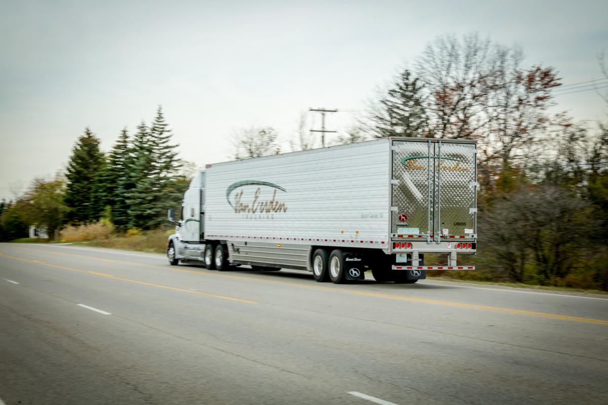 van eerden semi truck from passenger side rear